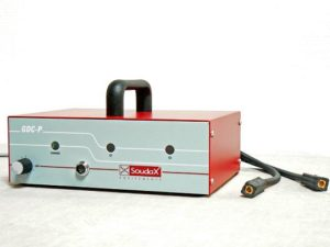 Capacitor discharge power source